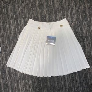missguided white pleated mini skirt - Size 2